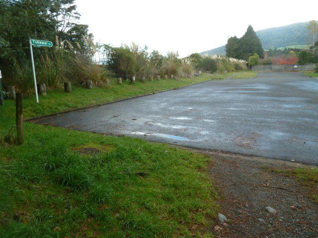 Empty Major Jones Carpark at 4.00pm on Monday
