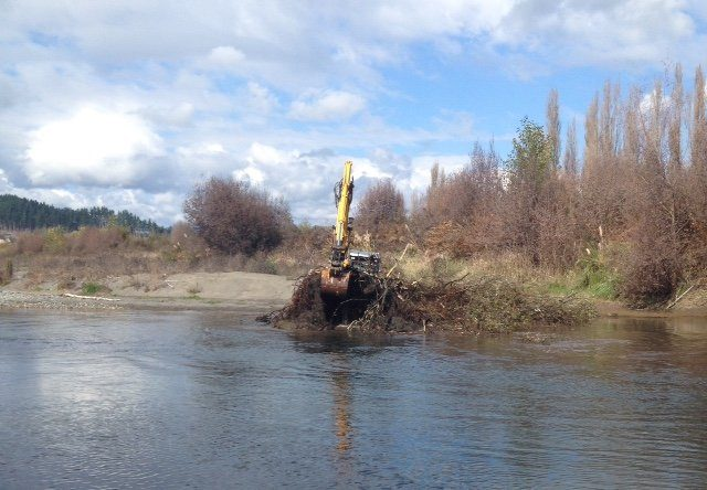 Removing the debris from the Upper Log